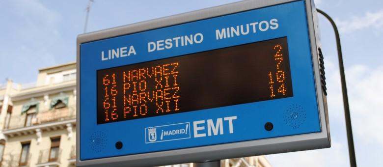 En la pantalla pone dos minutos y el autobús no llega
